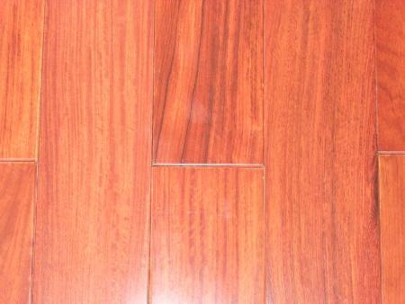 Bề mặt sàn gỗ Giáng Hương Lào cao cấp